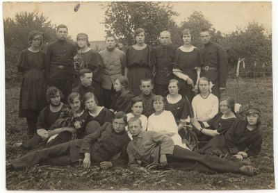 Marijampolės Realinės gimnazijos moksleivių grupė 1923 m.