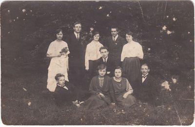 Marijampolės mokytojų seminarijos parengiamųjų kursų klausytojai. 1920 m.
