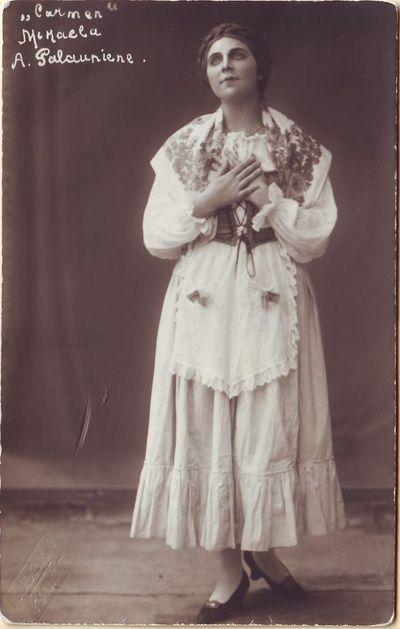 Adelė Galaunienė - Mikaela Žoržo Bize operoje Karmen