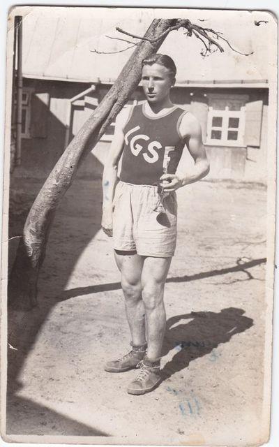 K. Vikauskas - 1938 -39 m. laimėjęs bėgimo varžybas Marijampolėje