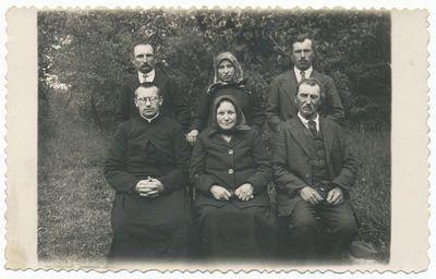 Kunigas Juozapas Adomaitis ir jo tėvai