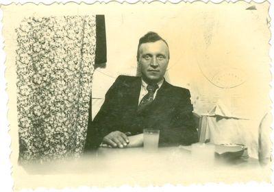 Politnis kalinys Leonas Vilutis savo namelyje tremtyje