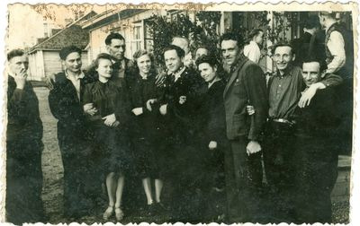 Lietuviai politiniai kaliniai su savo artimaisiais