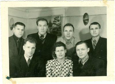Politiniai kaliniai Intos lageryje