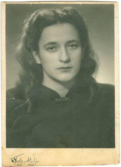 Kapitono Antano Staronio (Staranevičiaus) dukra Irena Antanina Staronytė-Suveizdienė