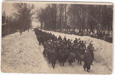 Kareivių eisena. 1926 m. Marijampolė