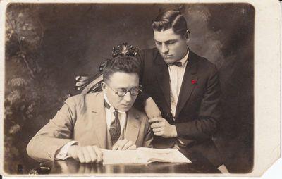 Savanoris Pijus Degutis ir Jonas Stankaitis.1927 m.