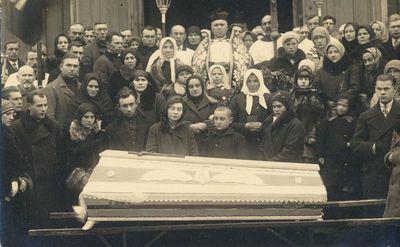 Moters laidotuvės