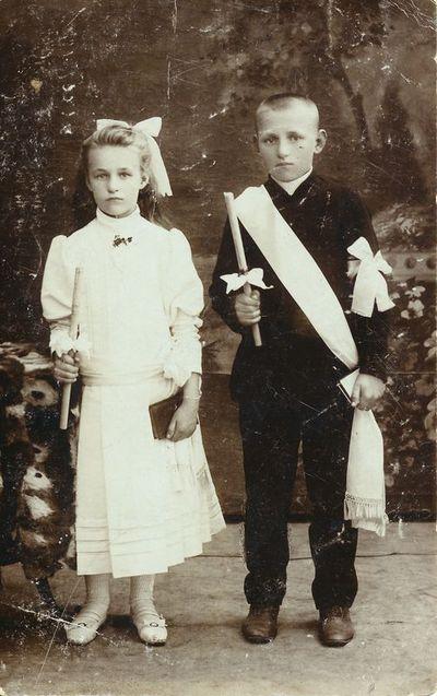 Julija ir Jonas Lenkevičiai Pirmosios Komunijos dieną