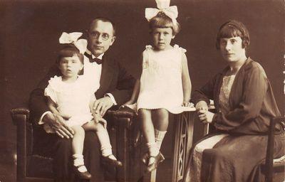 Juozas Katelė su šeima