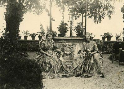 """Laimutė Graužinienė ir Eleonora Čarneckienė Romoje svečiuojasi pas grafus Pecci """"Carpineto Romano"""" pilyje"""