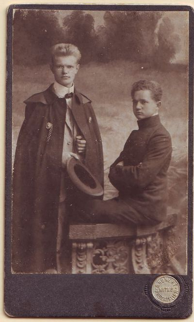 Juozas Gruodis su bičiuliu A. Spūdu
