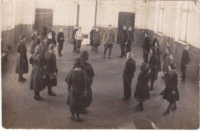 Fizinio lavinimo pratybos Marijampolės Realinėje gimnazijoje 1923 m.