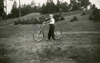Skaistutis su dviračiu