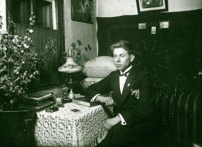 Karolis Ulozas savo namuose