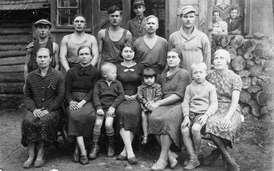 Veltinių fabriko darbininkai