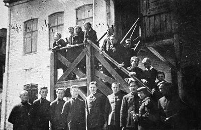 Švenčionių lietuvių gimnazijos gimnazistai fizikos pamokose