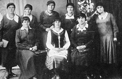 Švenčionių lietuvių gimnazijos gimnazistės