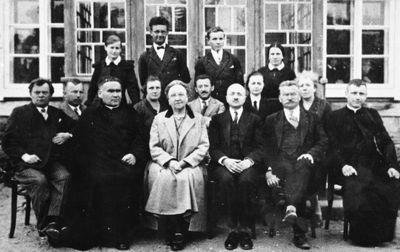 Švenčionių lietuvių gimnazijos mokytojų grupė