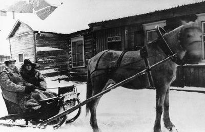 Julius Sinius su broliu Leonardu važiuoja iš ligoninės