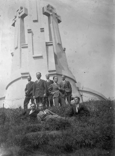 Kukutėlių jaunimas ant Trijų kryžių kalno