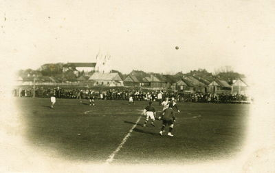 Futbolo rungtynės Švenčionių miesto stadione. Lenkų okupacijos metai