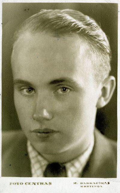 Jurgis Pabrėža (1921–1945) iš Urbaičių kaimo