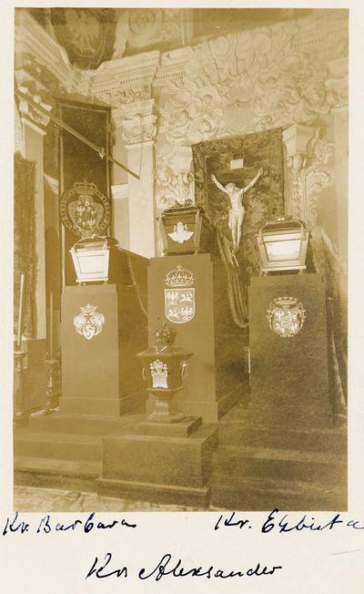 Lietuvos didžiojo kunigaikščio ir Lenkijos karaliaus Aleksandro ir jo žmonų Barboros ir Elžbietos sarkofagai Vilniaus arkikatedroje
