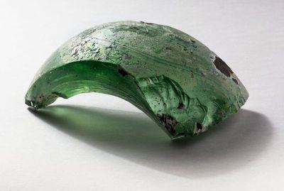 Stiklinio sviedinio skeveldra