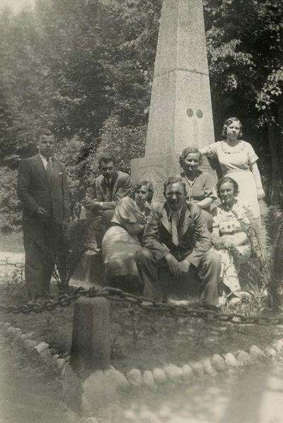 Aloyzas Sirutis su kolegomis Kalvarijoje