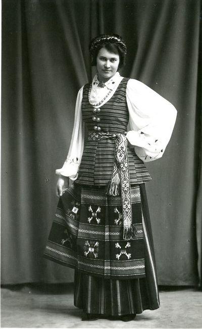 Kapsės (pietryčių suvalkiečių) tautiniai drabužiai