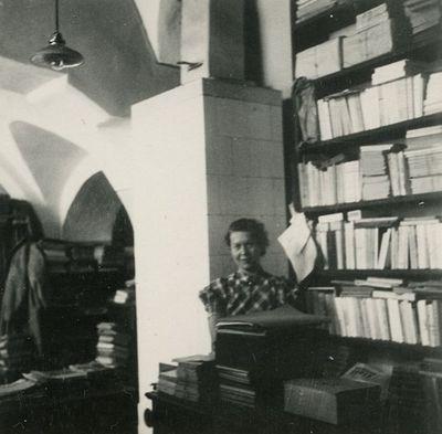 Gražutė bibliotekoje