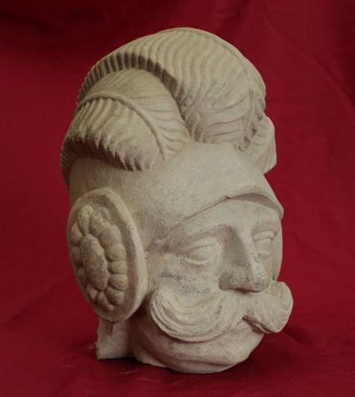 Skulptūros fragmentas. Kario galva
