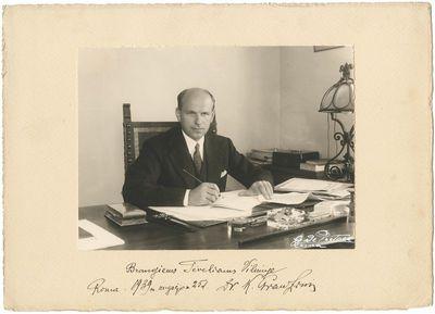 Kazimieras Graužinis  – Lietuvos Respublikos laikinasis reikalų patikėtinis prie Šventojo Sosto