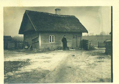 Pirmoji Juozo Karazijos fotografija