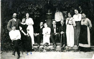 Paulina ir Mikalina Glemžaitės svečiuose pas mokytojus Kriukuose