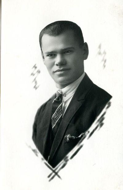 Mokytojas  ir visuomenės veikėjas Kazys Augulis (1897 - 1968)
