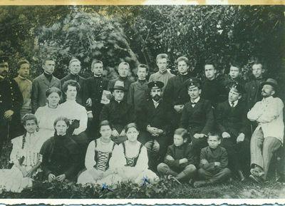Kupiškio dviklasės mokyklos pirmoji laida