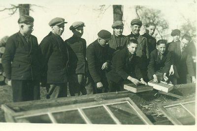Kupiškio žiemos žemės ūkio mokyklos daržininkystės grupės mokiniai