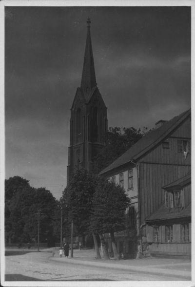Klaipėda. Puodžių gatvės šiaurės vakarinė pusė ir katalikų bažnyčia