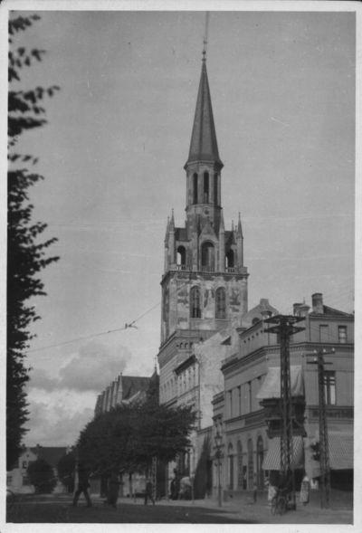 Klaipėda. Turgaus gatvės pietvakarinė pusė ir Šv. Jono evangelikų liuteronų bažnyčia