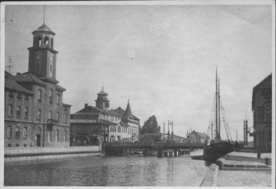 Klaipėda. Dangės dešinioji krantinė ir Biržos tiltas