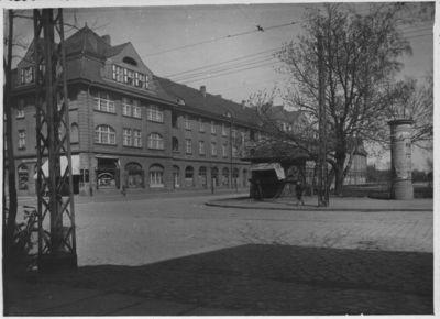Klaipėda. Liepojos (dabar Lietuvininkų) aikštės šiaurinė pusė