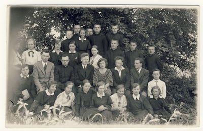 Anykščių vidurinės mokyklos 1934–1935 mokslo metų IV klasės baigiamoji laida