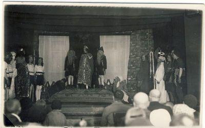 Anykščių pradžios mokyklos mokinių spektaklis