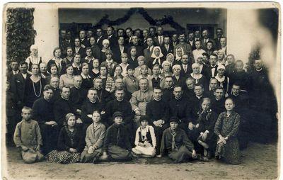 Panevėžio vyskupas Kazimieras Paltarokas Anykščiuose su pavasarininkais