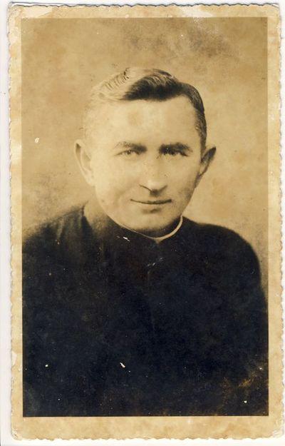 Kunigas Matas Šermukšnis