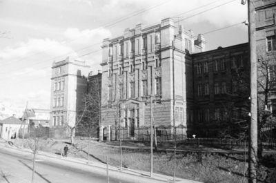 Kaunas. Žaliakalnis. 8 vidurinė mokykla (dabar Saulės gimnazija)