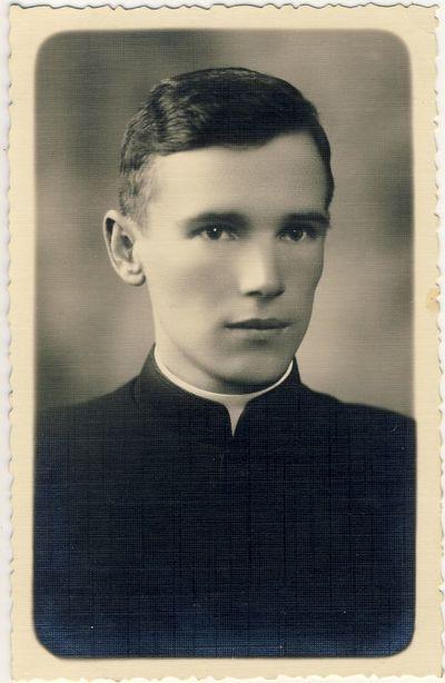 Kunigas A. Sadauskas