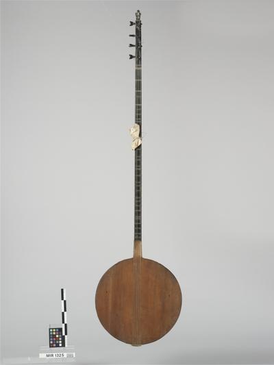 Tanbur kebir (Mischwirbellaute)